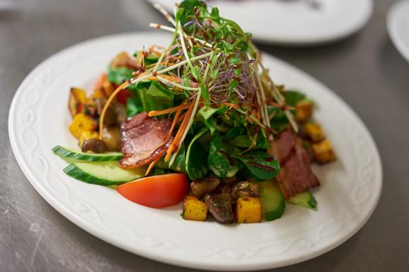 Bierthe ++ Restaurant Troisdorf ++ Feldsalat mit Kürbis und Maronen
