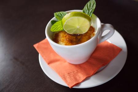 Bierthe Restaurant Troisdorf - Tassen–Cheesecake mit Lemoncurd