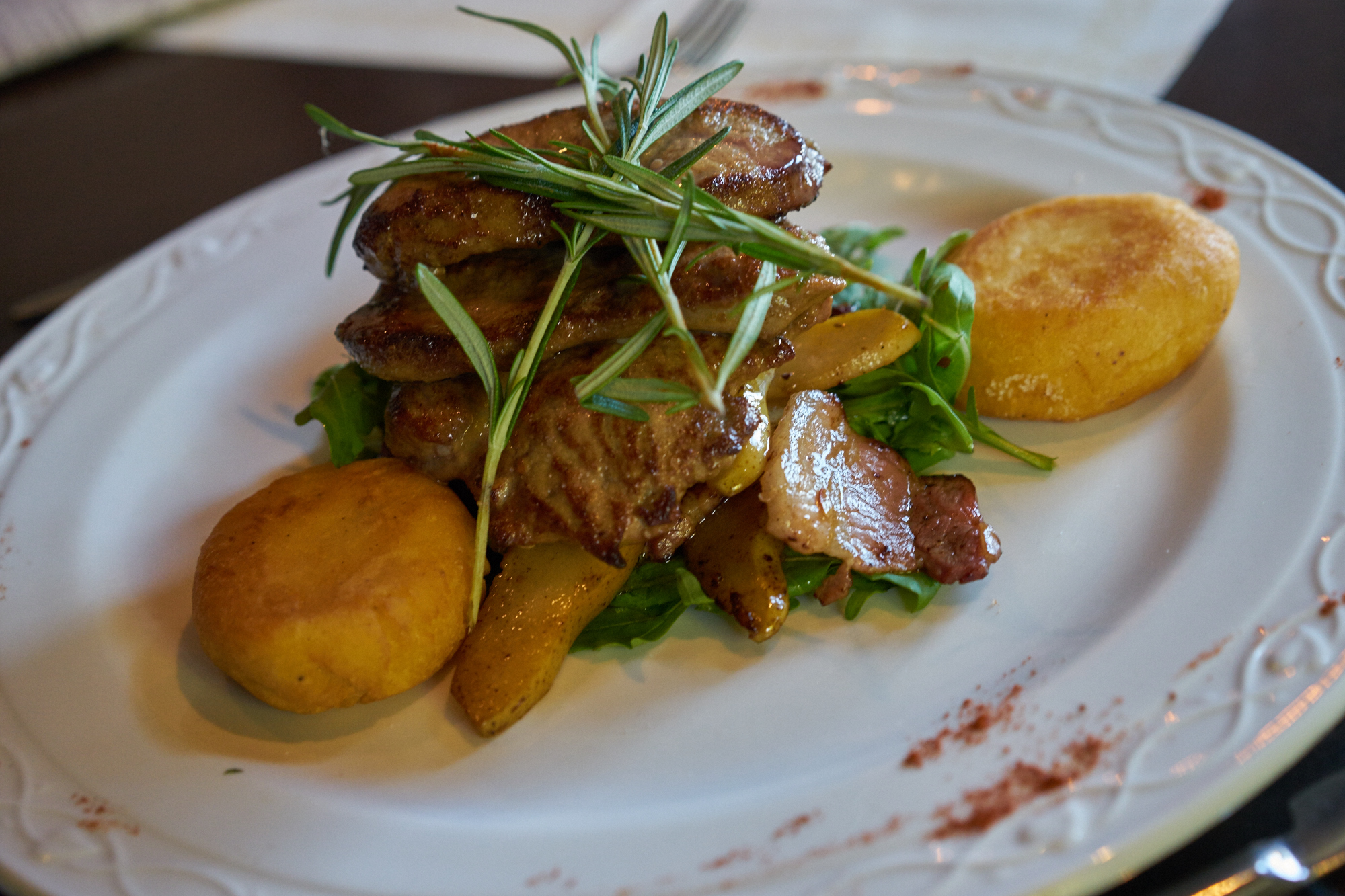 Restaurant Troisdorf - Kalbsleber im Herbst